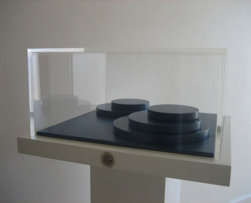 Middlesborough Art Gallery Display Cabinet - Lacquered MDF and Acrylic