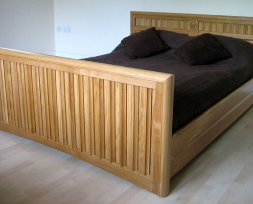 Solid Oak Bespoke Bed 01
