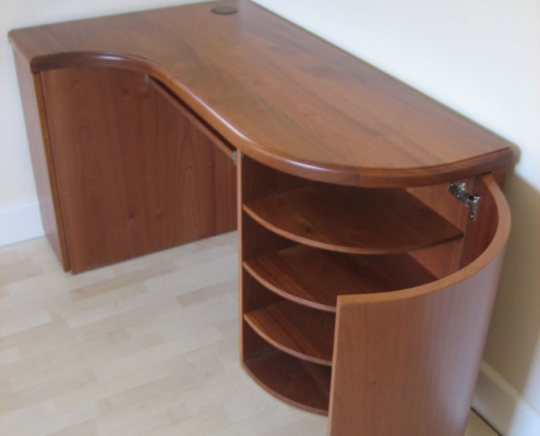 Solid and Veneered Sapele Writing Desk 02